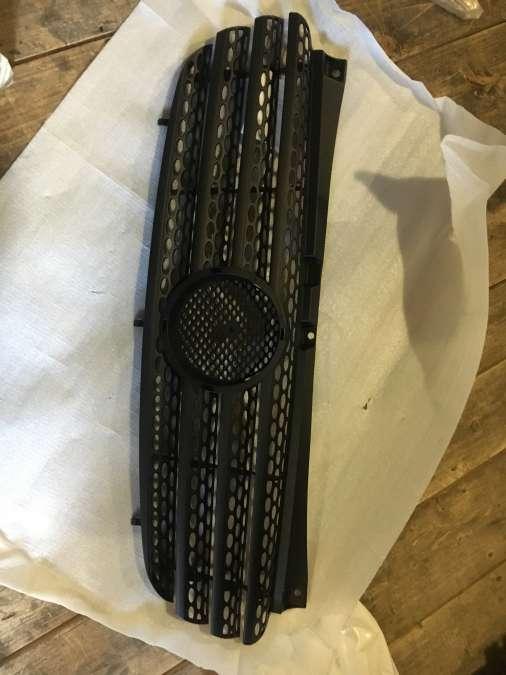 Решітка радіатора Merceds Vito W639 504005